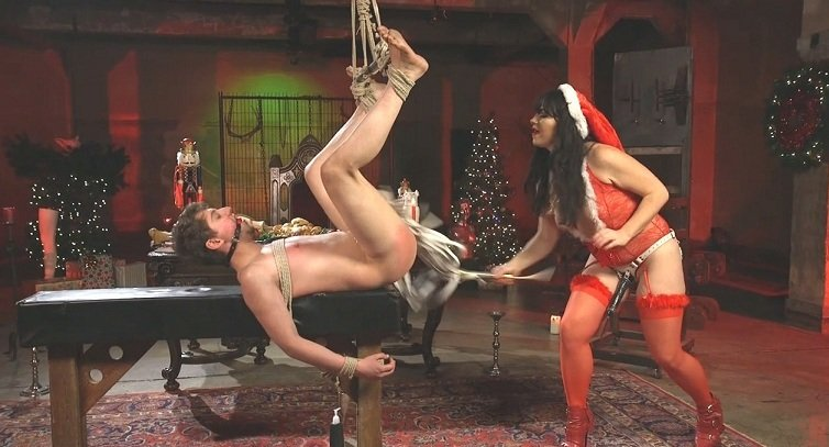 Siouxsie Q, Grayson - Merry Bitchmas! (Femdom / Humiliation) [SiteRip] - DivineBitches.com