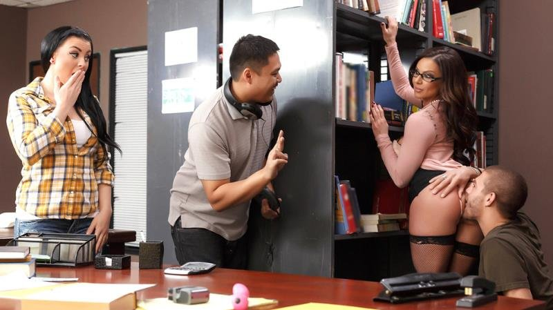 Kendra Lust - Librarian Needs A Licking (MILF / USA) [SD] - BigTitsAtSchool.com/Brazzers.com