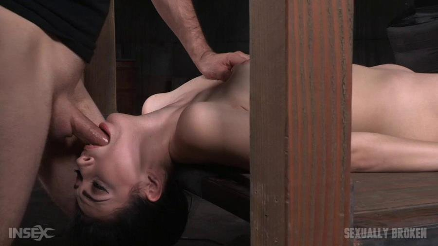 Aria Alexander - Sexy beauty Aria Alexander shackled to sybian and throat trained by two hard cocks! (BDSM / Domination) [HD 720p] - SexuallyBroken.com