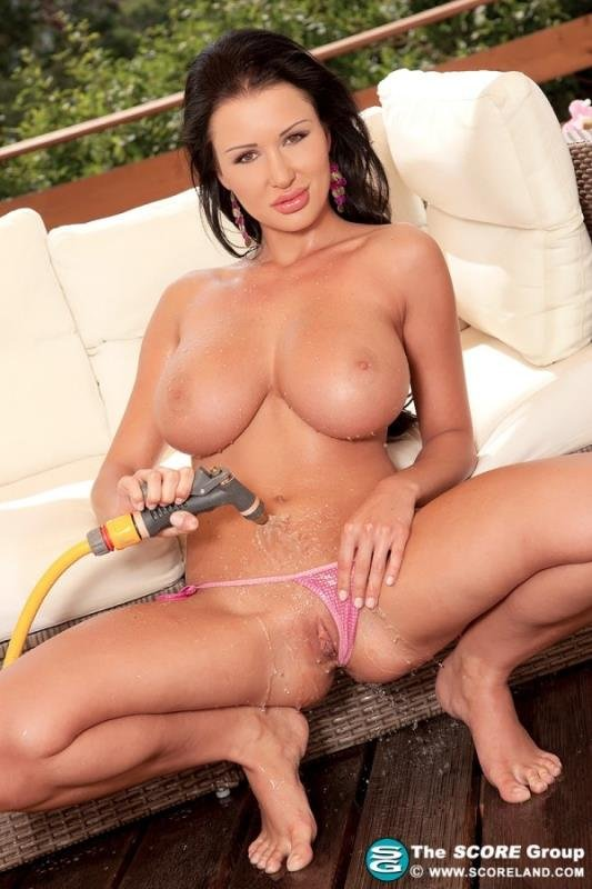 Patty Michova - Wash My Cat About Hoses (Big Tits / Solo / Mastrubation) [HD 720p] - ScoreHD.com/Scoreland.com