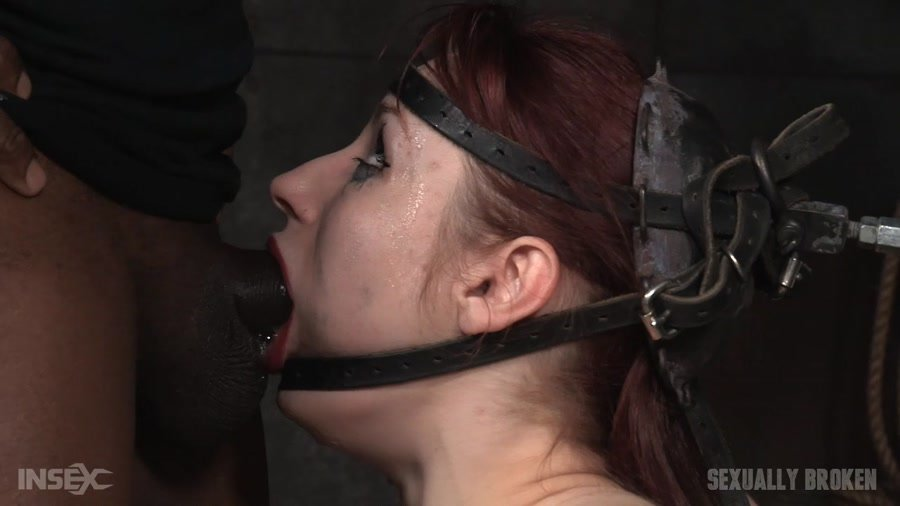 Violet Monroe - Violet Monroe does drooling deepthroat on two cocks while firmly bound in the blowjob machine! (BDSM / Domination) [HD 720p] - SexuallyBroken.com