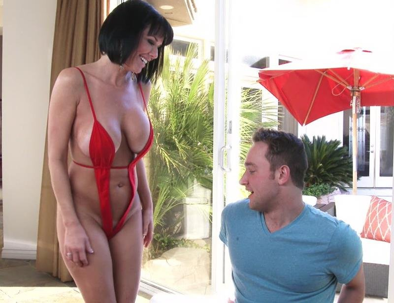 Veronica Avluv - This MILFs Desperate For Cum (Anal / Creampie) [FullHD] - MrsCreampie.com