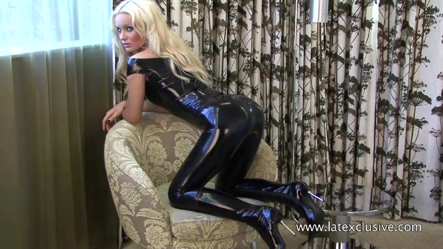 Ella - Black Latex Top (Ruber / Solo) [HD 720p] - Latexclusive.com