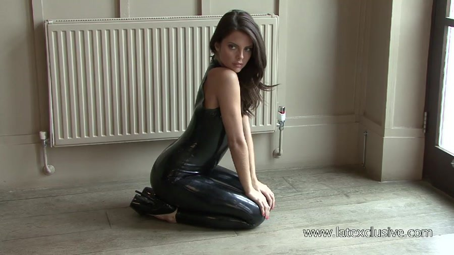 Lara - Black Latex Sleeveless Catsuit 2 (Latex / Solo) [HD 720p] - Latexclusive.com