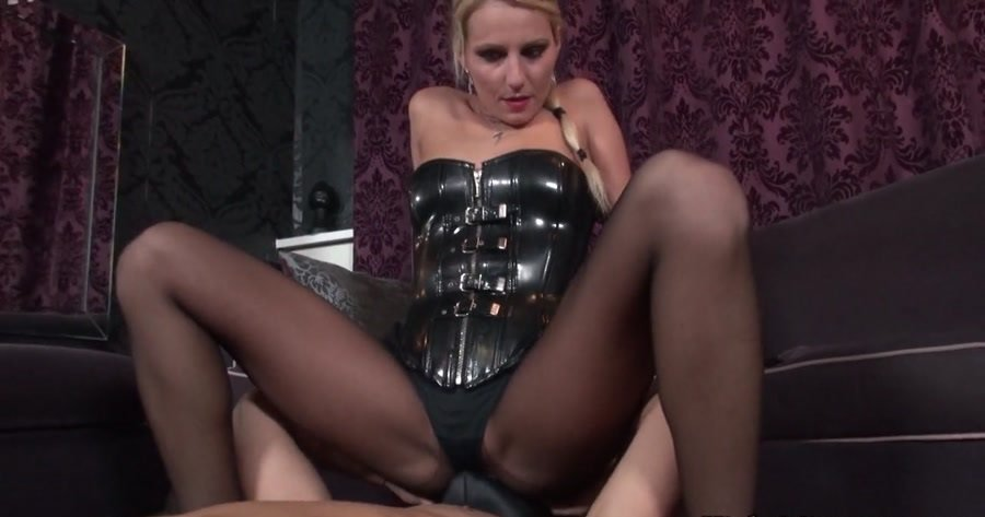 Natalie Black - Smell The Mistress (Femdom / Foot Fetish) [HD 720p] - KinkyMistresses.com