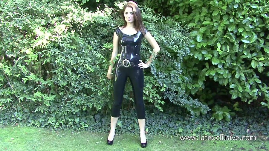 Olivia - Black Latex Top (Rubber / Fetish) [HD 720p] - Latexclusive.com