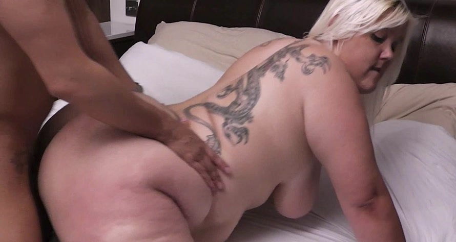 Liza - Liz done by stranger on her bed (Big Tits / Great Britain) [FullHD 1080p] - BBWpickup.com