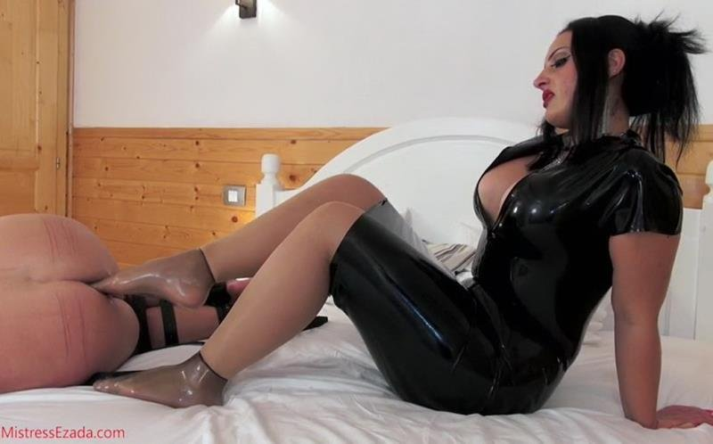 Mistress Ezada Sinn - Footjob gone awry (Mistress / Female Domination) [SD] - Clips4sale.com