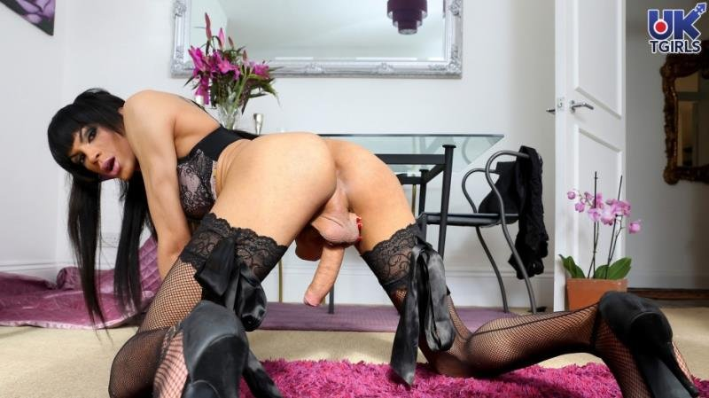 Jazmin - Cardiff Darkness! (Solo / Transsexual) [HD 720p] - UK-TGirls.com