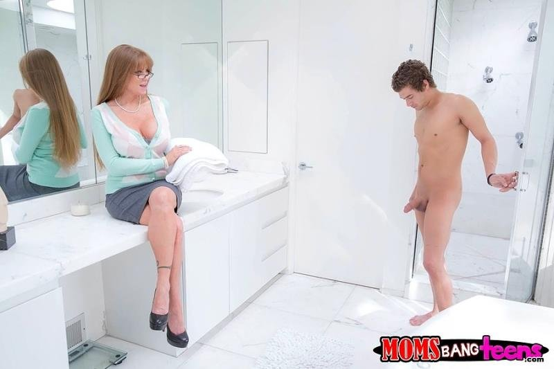 Darla Crane, Maddy OReilly - The Mother Of My Girls Laid Eyes On My Dick (Anal / MILF) [SD 432p] - MomsBangTeens.com/RealityKings.com