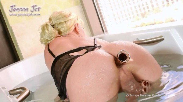 Joanna Jet - Me and You 189 - Bathtime (Transsexual / Masturbation) [FullHD 1080p] - JoannaJet.com