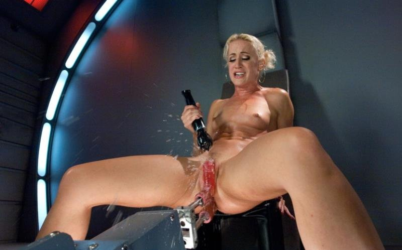 Dylan Ryan - Squirt Alert: So MUCH Girl Cum (BDSM / Fuck Machine) [HD] - FuckingMachines.com/Kink.com