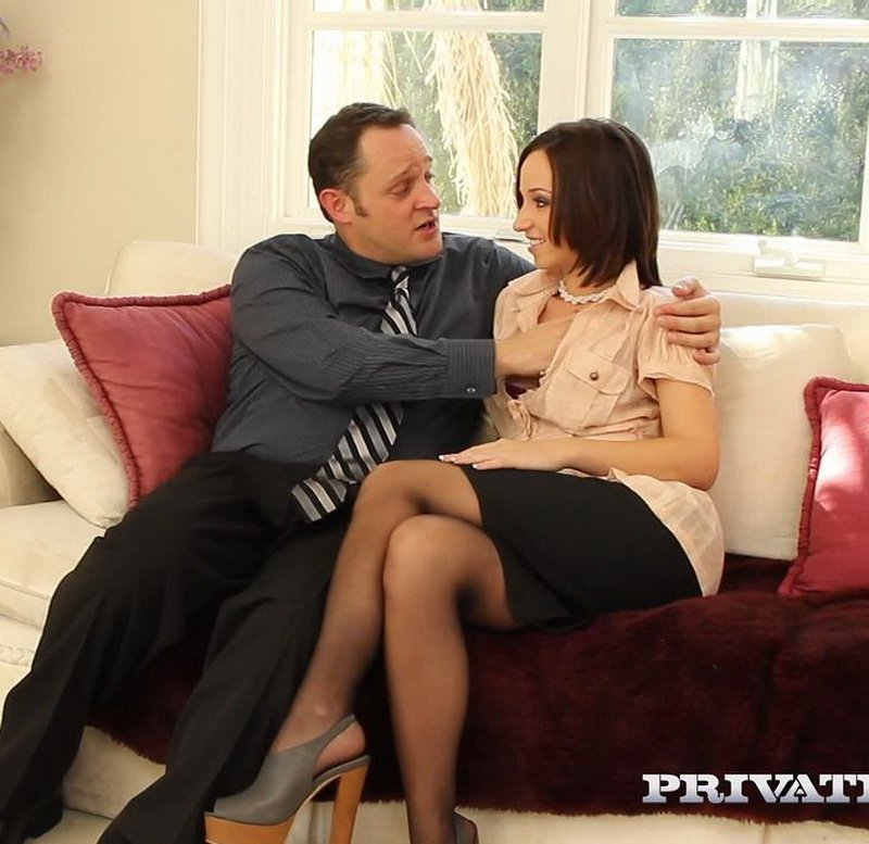 Jada Stevens - Hot Housewife Jada Stevens Has Ass Splitting Anal (Blowjob / Anal) [SD] - Private.com
