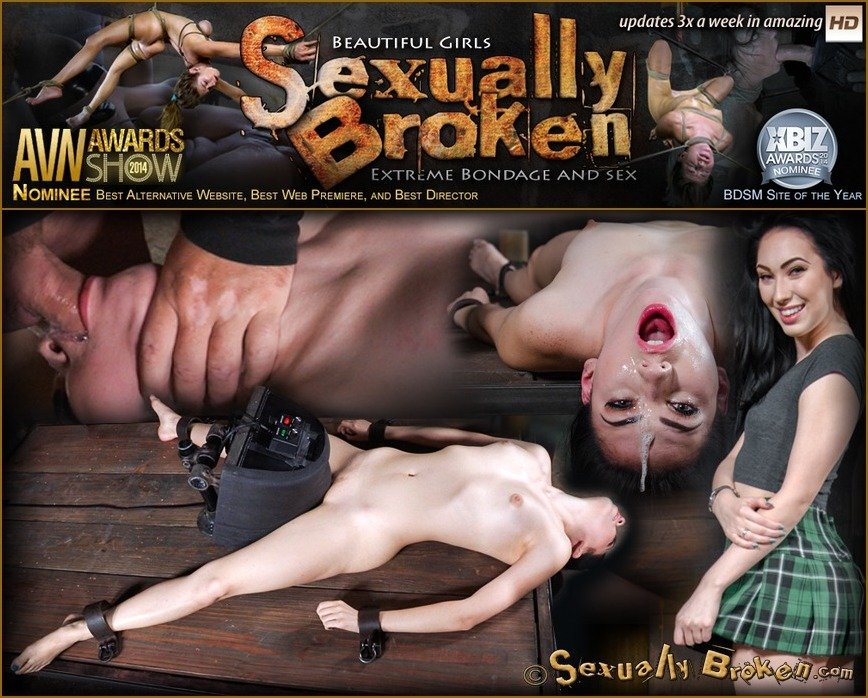 Aria Alexander - Sexy beauty Aria Alexander shackled to sybian and throat trained by two hard cocks! (BDSM / Rough Sex) [HD 720p] - SexuallyBroken.com