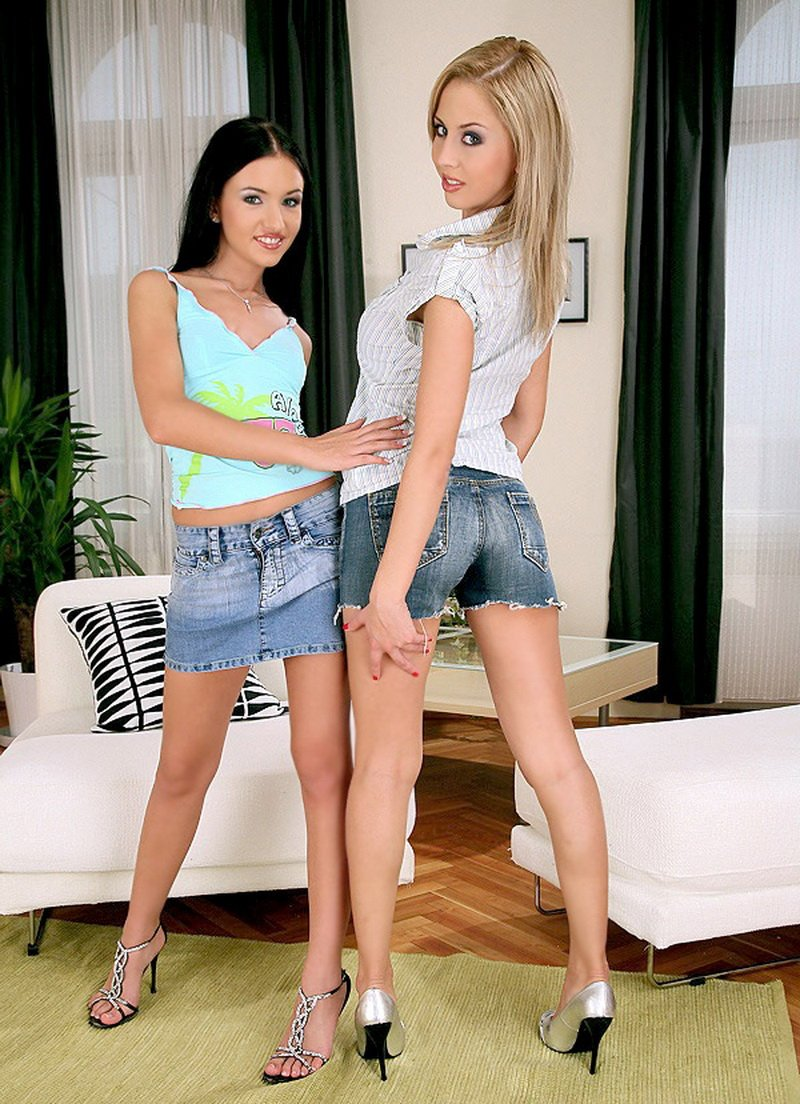 Mandi, Sasha - Swapping places (Group / Anal) [HD] - EuroSexParties.com/RealityKings.com