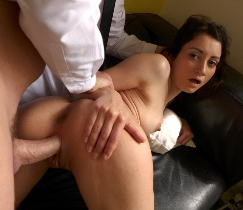 Valentina Bianco - Pissing Pixie Loves It Rough (Pissing / Spanking) [HD] - Pascalssubsluts.com