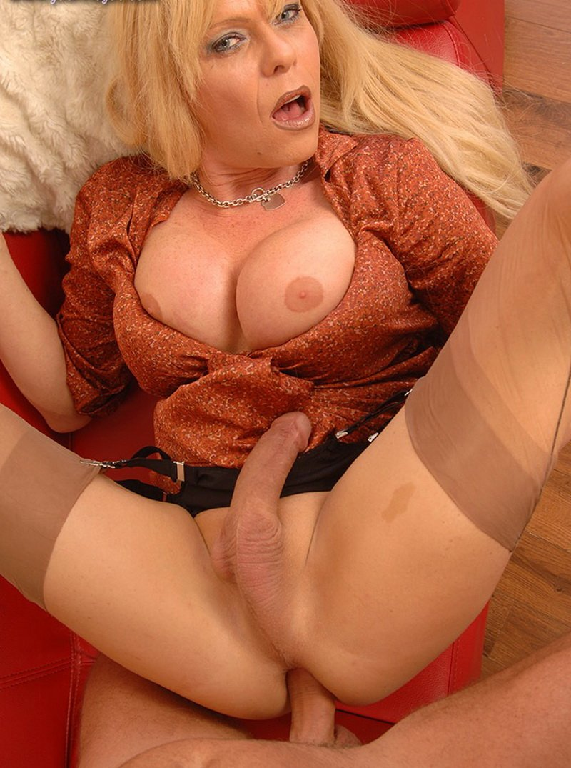 Joanna Jet - My Daughters Boyfriend (Shemale / Anal) [HD] - JoannaJet.com