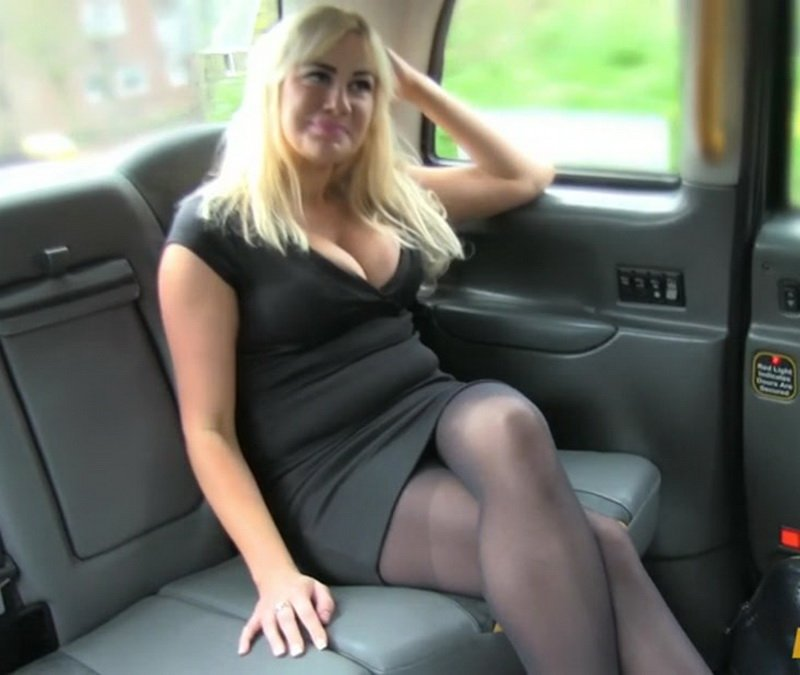 Lois Loveheart - Creampie surprise pays taxi fare (Deep Throat / Ball Licking) [SD] - FakeTaxi.com