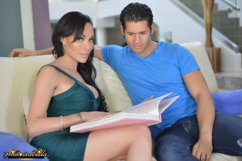 Mia Isabella - Reading of the book led to sex (Transsexuals / Anal) [HD 720p] - Mia-Isabella.com