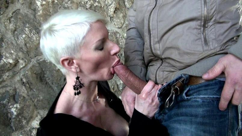 Mia - Mia, 34ans, assistante de direction! (French / Milf) [HD 720p] - JacquieEtMichelTV.net