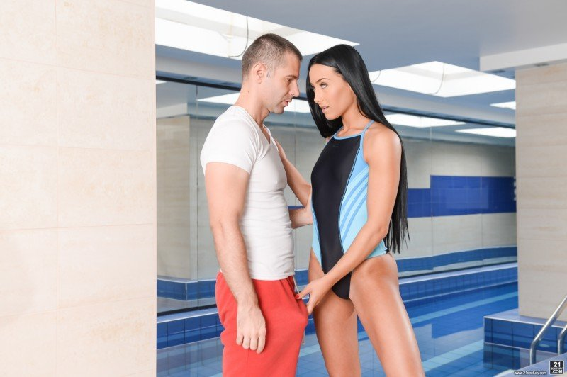 Anna Rose - Perfecting the Breaststroke (Babes / Small Tits) [FullHD 1080p] - 21Sextury.com