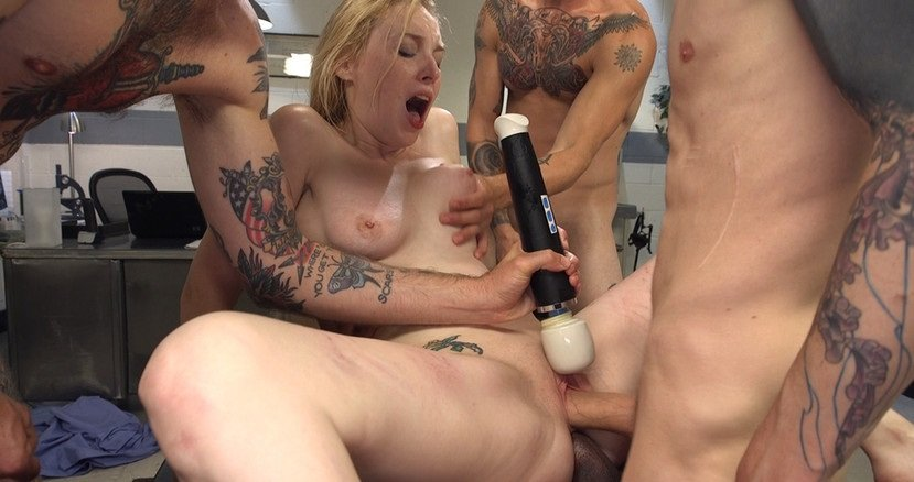 Delirious Hunter - Deliriously Gangbanged / 40686 (BDSM / Gang Bang) [SD 360p] - HardcoreGangBang.com