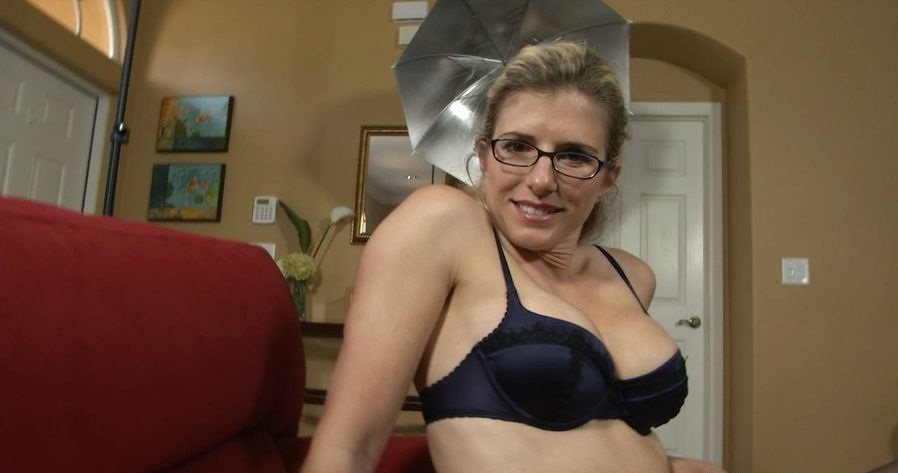 Cory Chase - In Mothers Mouthful (Incest / USA) [HD 720p] - JerkyWives.com