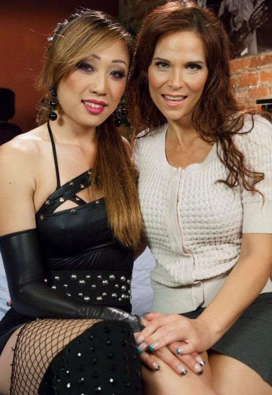 Venus Lux, Syren de Mer - Venus Lux Takes Uses Her Cock to Solve Fight with Her MILF Neighbour (Transsexual / Shemale dominate) [SD] - TSPussyHunters.com