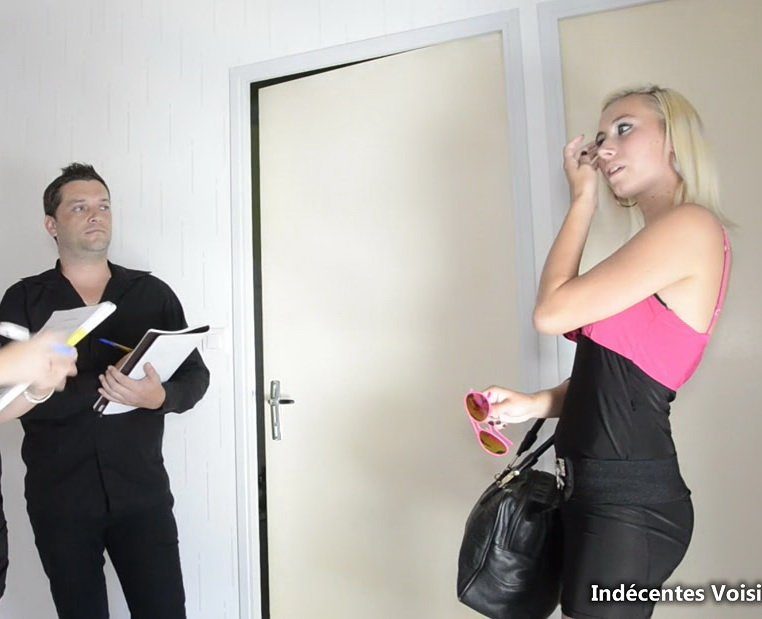 Clara - Recherche appartement (All Sex / Anal) [FullHD] - JacquieEtMichelTV.com