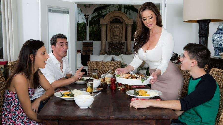 Kendra Lust - Kendras Thanksgiving Stuffing (Brunette / MILF) [SD] - Brazzers.com