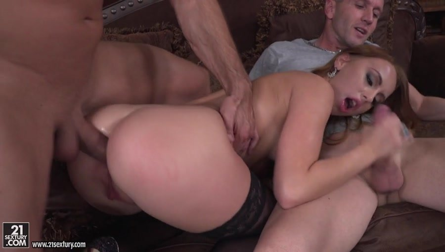 Kira Thorn - Taste the Neighbor's Buns (Anal / Group) [SD] - 21Sextury.com