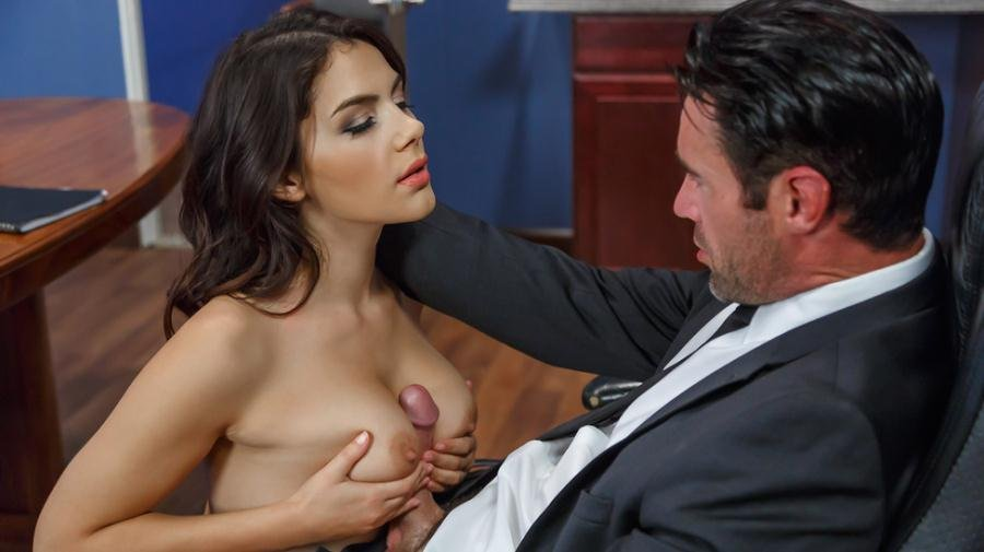 Valentina Nappi - Pushing Boundaries (Big Tits / Brunette) [SD] - Brazzers.com