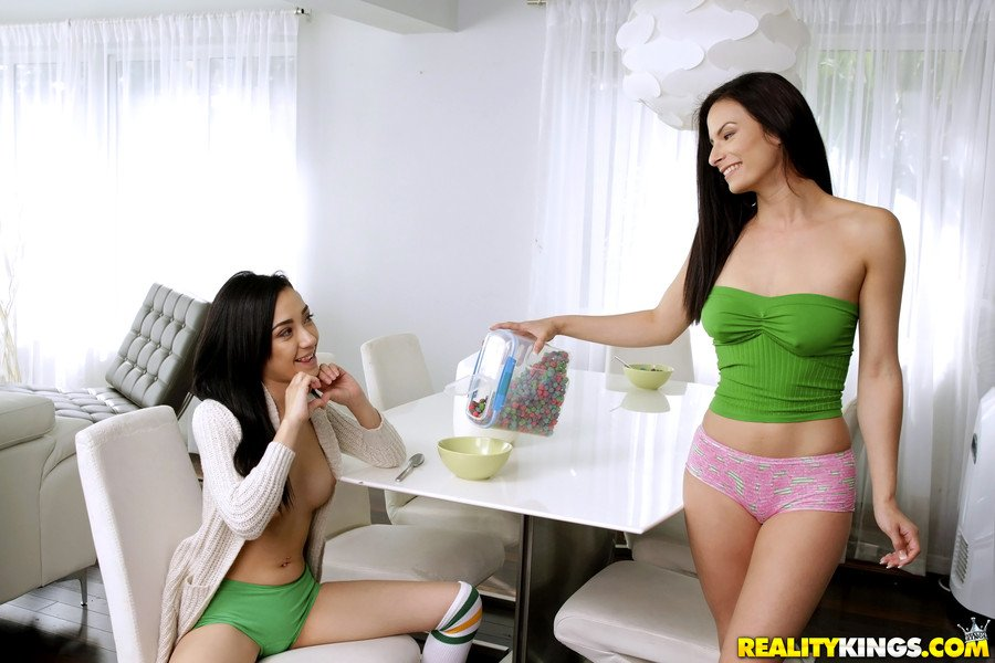 Kiley Jay, Alexis Deen - Footsie For Breakfast (Latin / Lesbian) [SD] - WeLiveTogether.com