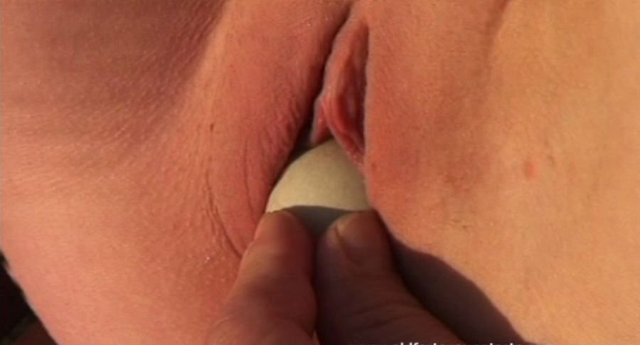 Lucie V - Tennisball seduction (Amateur / Czech Republic) [SD] - OldFartsYoungTarts.com