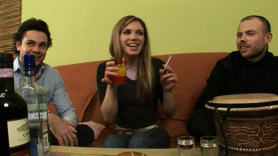 Anna - Drunken Anna - Part 1 (Russian / Amateur) [SD] - RealDrunkenGirls.com