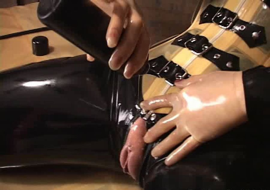 Rubber Doll - Rubbered up - solo series (Fetish / Latex) [SD] - RubberDoll.net