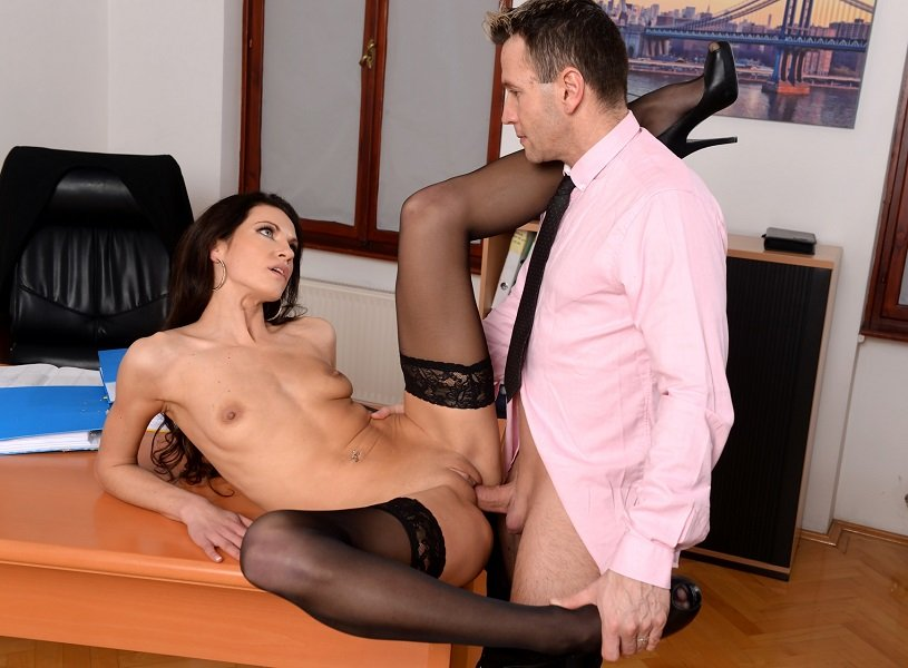 Linda Moretti - Business Affairs (Brunette / Anal) [SD] - 21Sextury.com