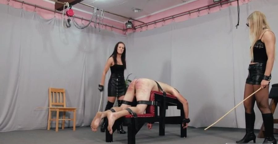 Anette - Anette And Bloodymary (BDSM / FemDom) [SD] - CruelPunishments.com