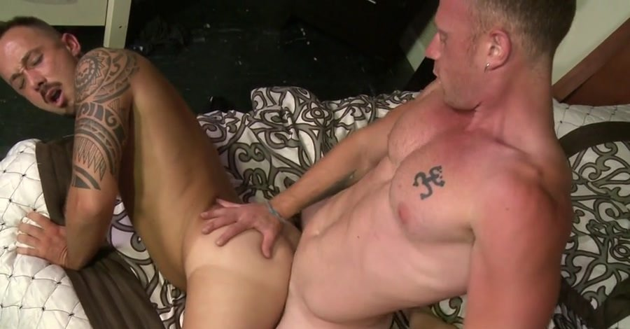 Alessio Romero, Saxon West - Make Up Sex Is Hot Sex Make Up Sex Is Hot Sex (Gay / Hardcore) [SD] - MenOver30.com