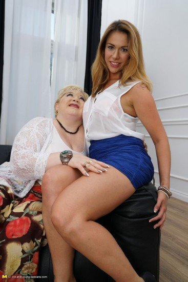 Rosemary, Shanna - Rosemary (43), Shanna(aka Ani Blackfox) (23) (Old-Young / Lesbians) [HD 720p] - Old-and-Young-Lesbians.com