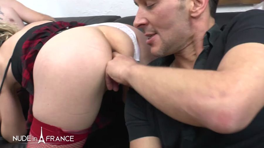 Béatrice - This Husband Shars His Wife And She Gets Hard Analyzed And Double Penetrated (France / Amateur) [HD 720p] - NudeInFrance.com
