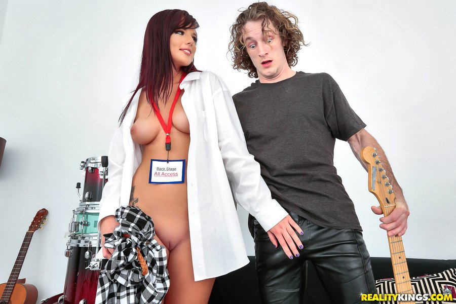 Scarlett Mae - Backstage Pass (Side Fuck / Doggystyle) [SD] - Pure18.com
