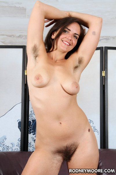 Katie Zucchini - Hairy Pussy Licker Needed (All Sex / Hairy Pussy) [SD] - RodneyMoore.com