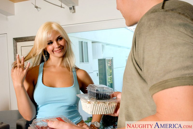 Sarah Vandella - 23249 / Remastered (Caucasian / Young) [SD] - NeighborAffair.com