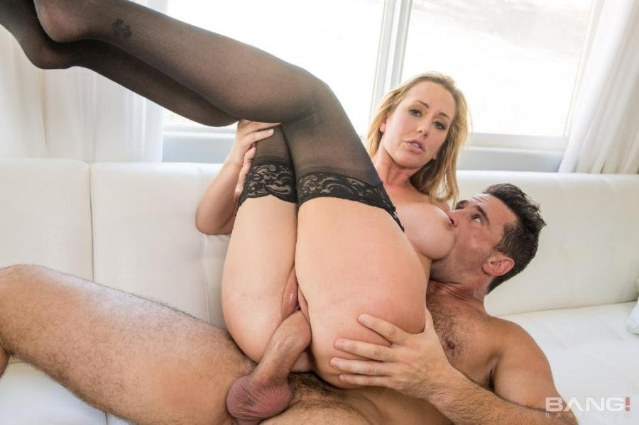 Brett Rossi - Mature Blonde Brett Rossi Takes Monstrous Man-Meat And Thick Facial (Big Boobs / Gonzo) [SD] - Bang.com