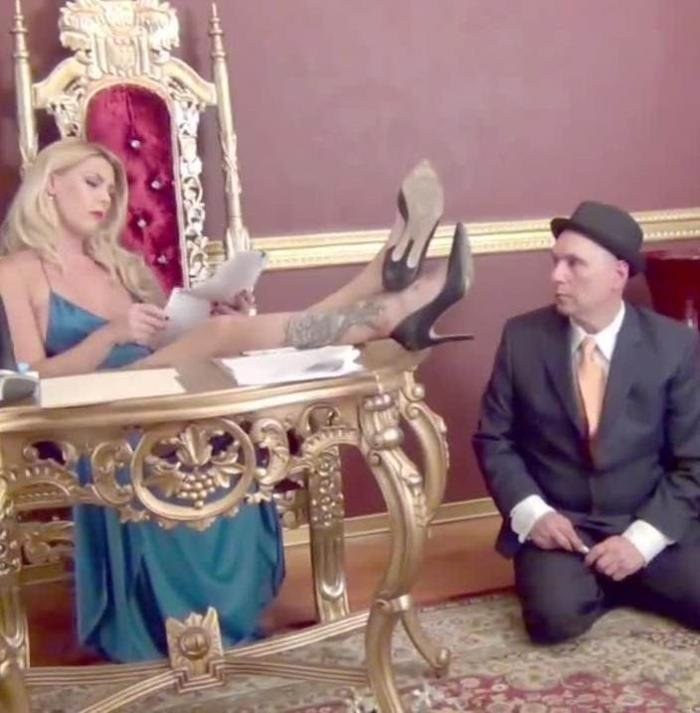 Mistress Bella Bathory - A Politician Under Foot [HD] - DomNation.com