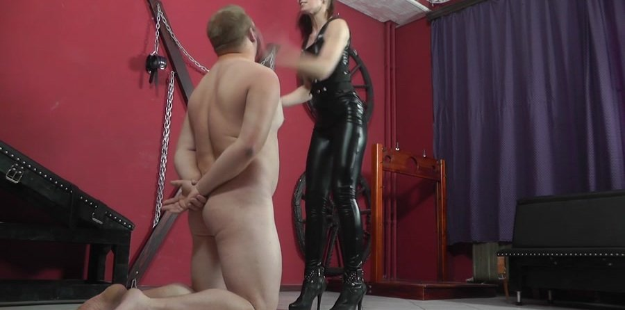 Mistress Anette - Chanels (Humilation, Domination) [HD 720p] - Cruel-Mistresses.com