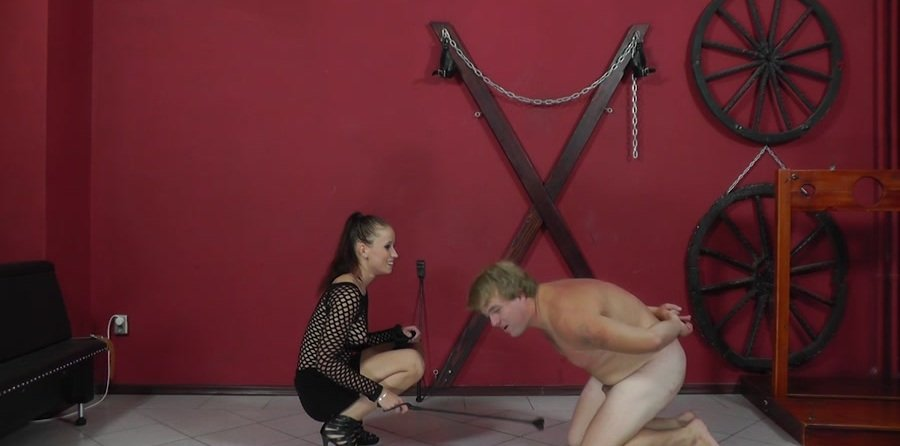 Mistress Anette - Palm strokes and nipple torture (Femdom / Domination) [HD 720p] - Cruel-Mistresses.com