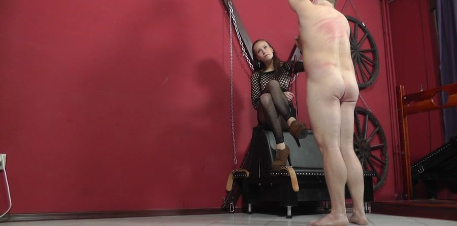 Mistress Anette - Nothing But Hits (Femdom / Domination) [HD 720p] - Cruel-Mistresses.com