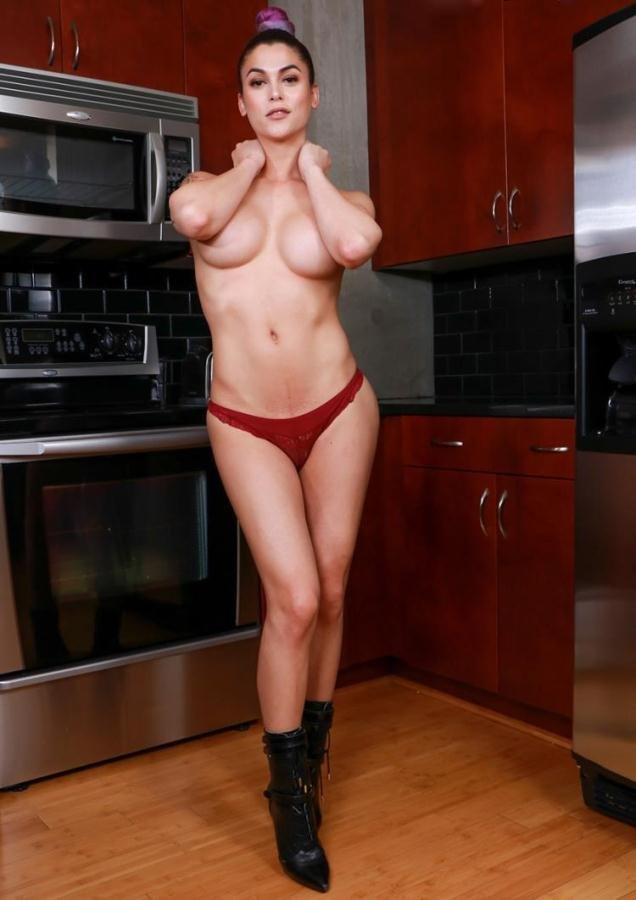 Domino Presley - Domino Presley - Sultry Domino's Solo Kitchen Play [HD] - shemale.com